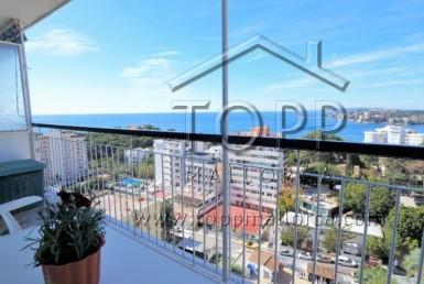 Apartamento amplio en Cala Mayor con preciosas vistas al mar. Amplio dormitorio separado. Buena terraza. Impala III con aparcamiento comunitario