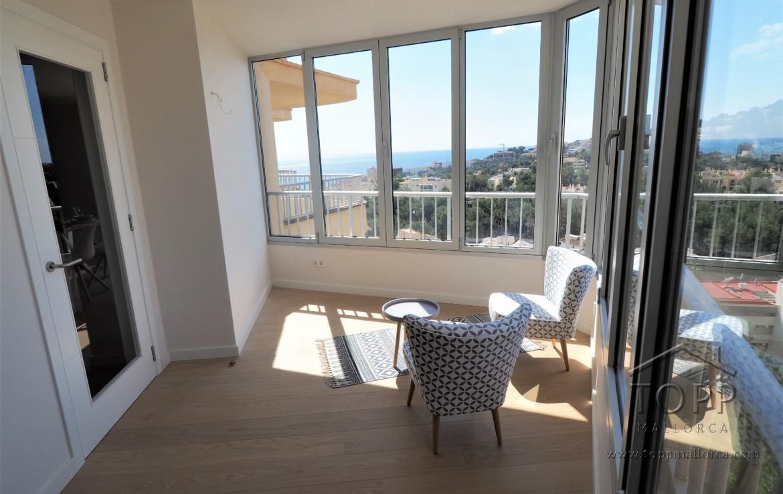 San Agustín. Amplio ático de un dormitorio con dos terrazas en edificio con piscina. Plaza de garaje y trastero